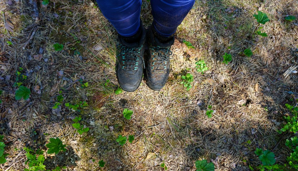 choosing hiking shoes